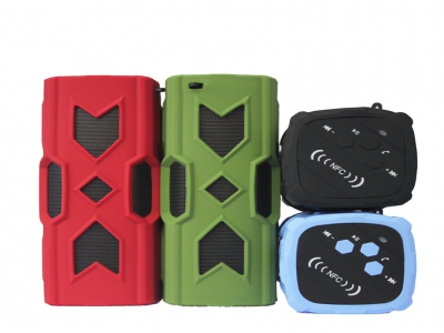 Hot Selling Super Bass Wireless Waterproof Bluetooth Speaker With NFC and Power Bank Function